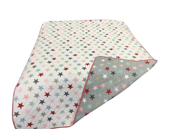 Tagesdecke/Quilt mit bunten Sternen