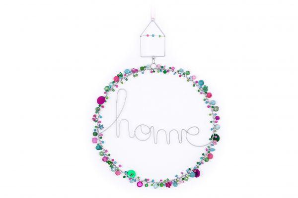 """Kranz mit Perlen und Schriftzug """"home"""" Aurora"""