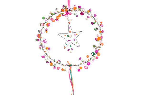 Kranz mit Perlen und Stern, Scarlet