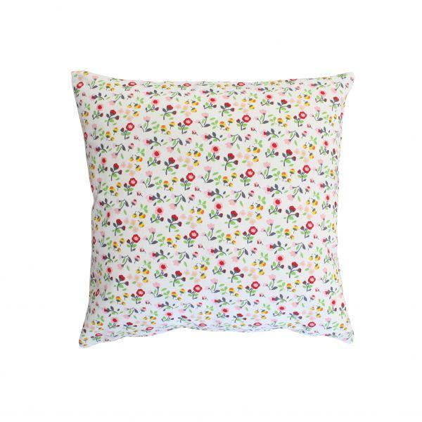 Kissenhülle, weiß mit bunten Blumen