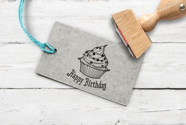 Stempel Happy Birthday Cupcake
